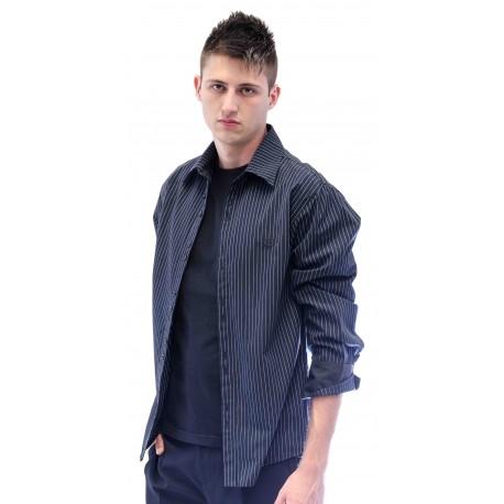 Camisa masculina preta com listras brancas
